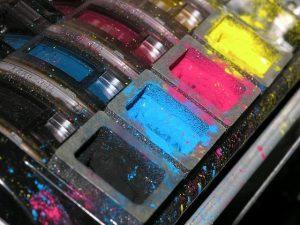 Profesionalna tiskarna lahko opravi tisk fotografij v višji kakovosti in z boljšimi barvami